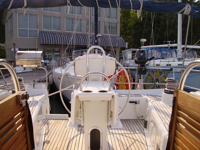 fully crewed san juan island sailing charters aboard Diminuendo