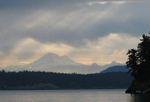 fully crewed sailing charters san juan islands - mountain w rays